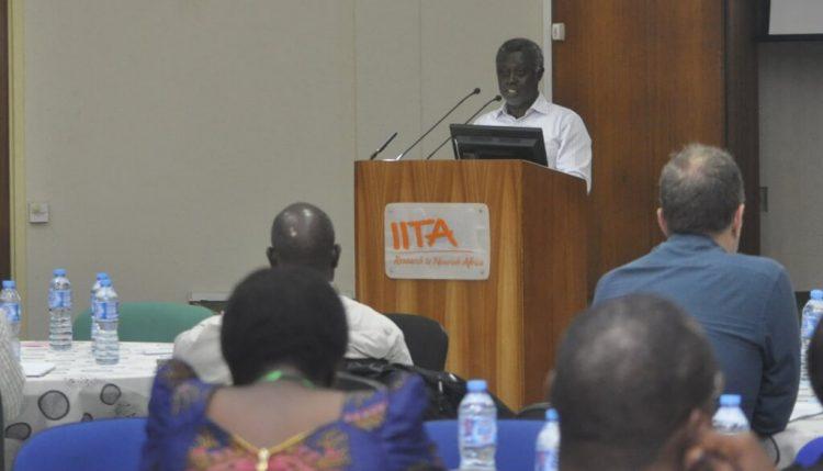 Robert Asiedu presents on IITA's biotechnology and genetic improvement strategy