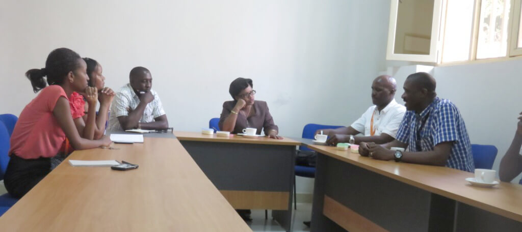 Hon. Kayitesi (centre) during her visit to IITA-Burundi.
