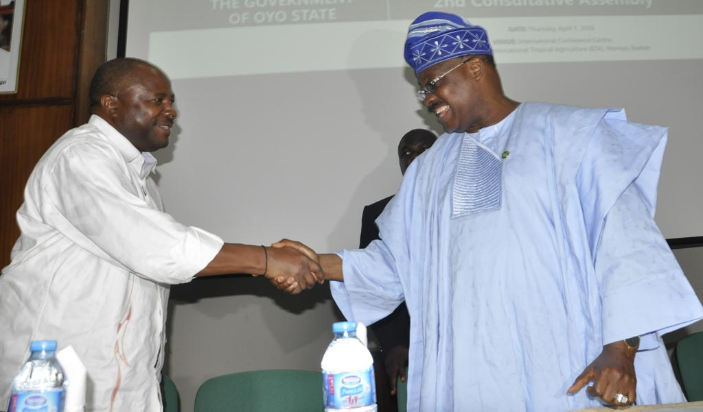 Picture of DG Nteranya Sanginga (left) welcomes IITA host, Oyo State Governor Abiola Ajimobi.
