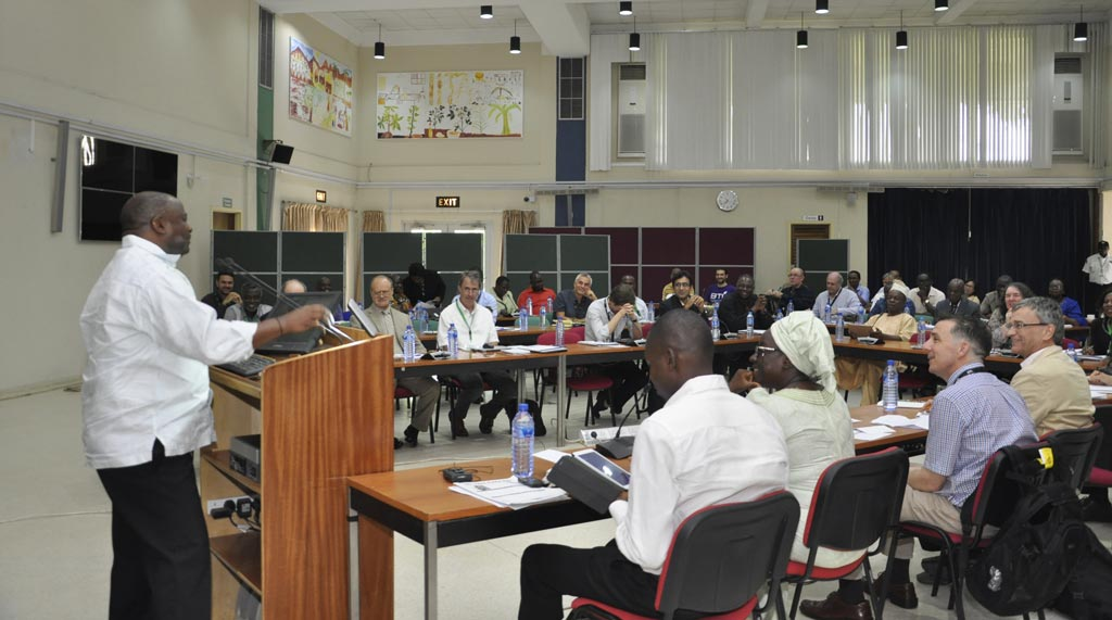 Picture of IITA DG Nteranya Sanginga talks about how to increase cassava productivity.