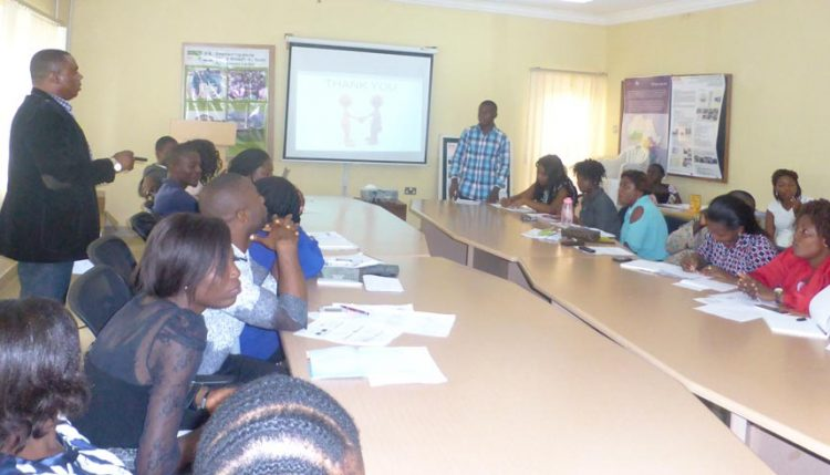 Picture of IITA Youth Agripreneurs in Abuja conduct training on agribusiness for fellow Agripreneurs.