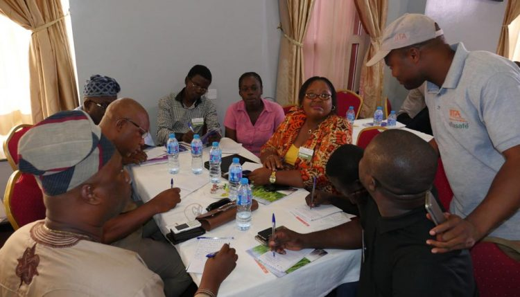 Picture of AgResults implementers and buyers linkup during the Innovation Platform workshop