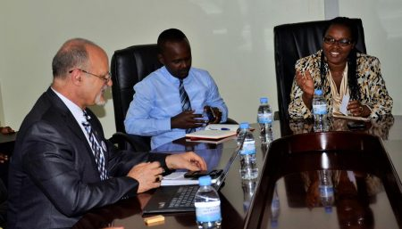 Picture of DDG Ken Dashiell with the Rwandan Minister of Agriculture, Dr Gerardine Mukeshimana and State Minister of Agriculture Tony Nsanganira.
