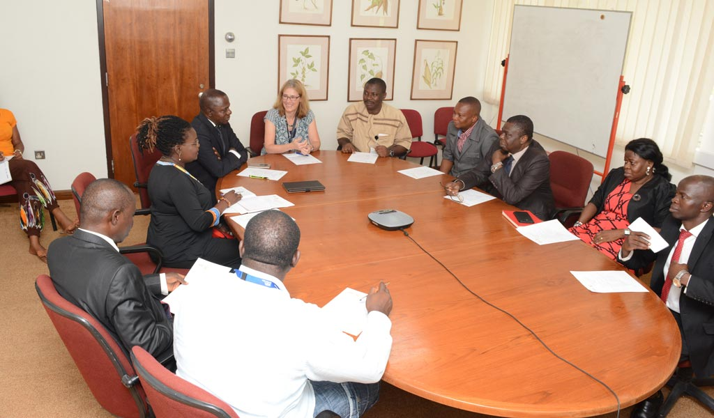 Picture of Oyo State Security Services representatives meeting with IITA staff in Ibadan.
