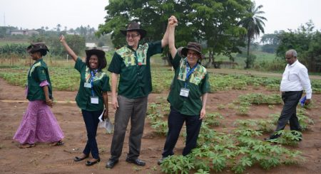 Picture of Cassava stakeholders celebrating the project BASICS in developing sustainable seed systems in Nigeria.