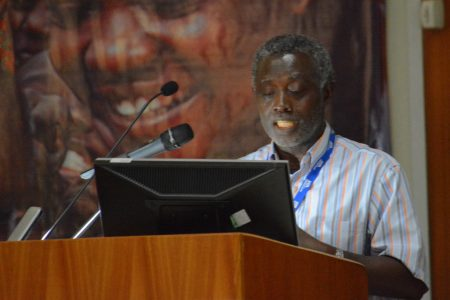 Picture of Dr Asiedu. He has been with IITA since 1989.