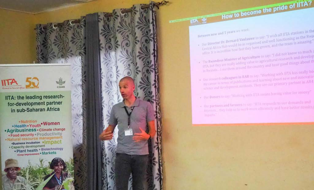 Picture of IITA Country Representative Marc Schut giving a presentation.