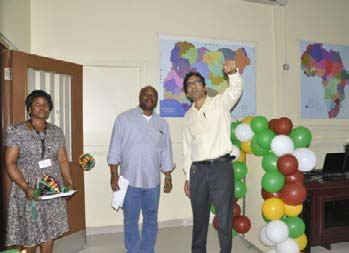 Picture of BASICS Project Director, Hemant Nitturkar (right) with IITA DG Nteranya Sanginga.