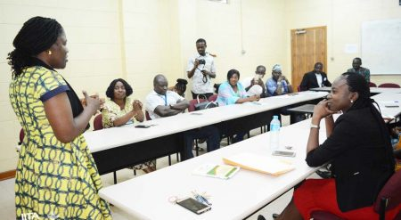 Picture of Delphine Amah, IITA Regional Plantain breeder, addressing the trainees.