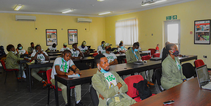 IITA Corps members organize seminar on alleviating hunger and poverty