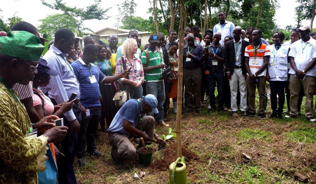 Picture of Prof. Busuyi Agbeja plants a tree for the Commonwealth Forestry Association Conference (CFA) in the Tree Heritage Park, 12 October 2016.